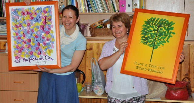 Jharna-Kala képek ajándékozása óvodáknak 2014.