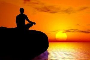 man-meditating-by-water-300x200 Meditáció: kulcs a belső élethez - Sri Chinmoy